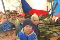 Dětský den letos i s vojáky