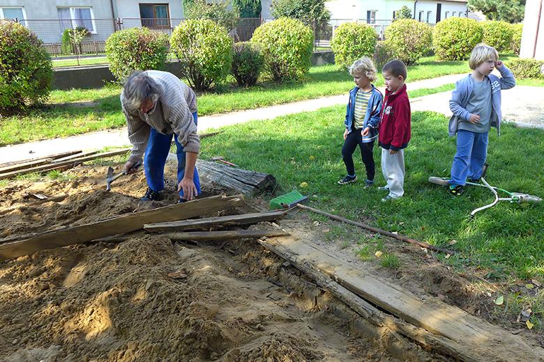 Oprava pískoviště