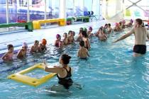 První říjen odstartoval 1. plavání — 46 dětí plavalo v Hradišti