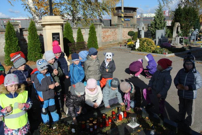 Návštěva hřbitova